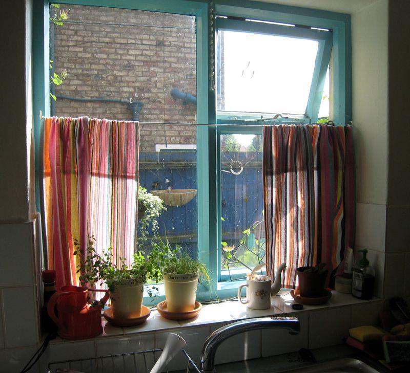 Wardrobe Refashion: Teatowels To Kitchen Curtains